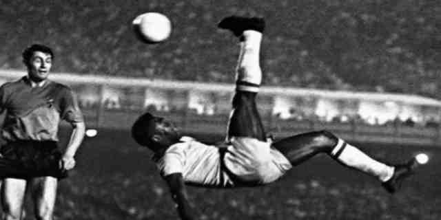 Pele (Edson Arantes Do Nascimento) The Football Legend